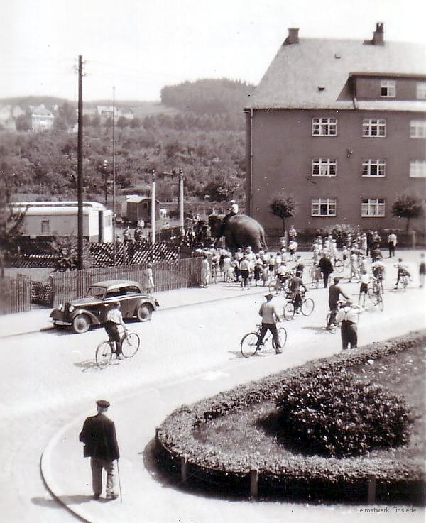 Zirkus in Einsiedel auf der Ida-Wiese