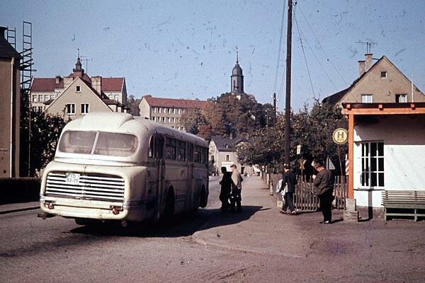 Bushaltestelle Einsiedel, August-Bebel-Platz, in dem 1960er Jahren