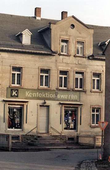 """""""Textil-Konsum"""" in Einsiedel um 1987"""