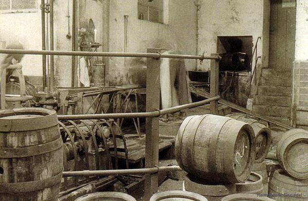 Fasskeller bei Winterling & Co. in Einsiedel um 1950