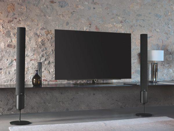 Fernseher besitzen heutzutage meistens HDMI-Anschlüsse. Falls dein Fernseher einen HDMI-Ausgang besitzt, sollte am besten dieser für die Canton Lautsprecher benutzt werden. <br /></noscript>(Bildquelle: unsplash.com / Loewe Technologies)