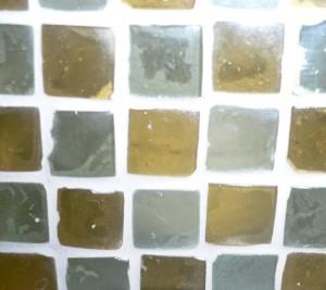 Mosaikfliesen oder Glasmosaik verlegen