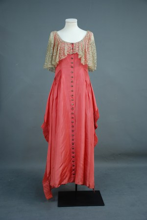 Mary D. Barnes inaugural gown | 94.120.3 | Heinz History Center