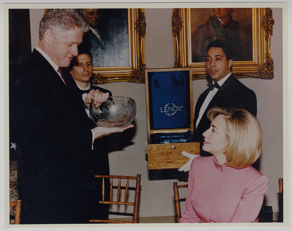 Bill Clinton's inaugural gift | Gift of Lenox Incorporated | Heinz History Center