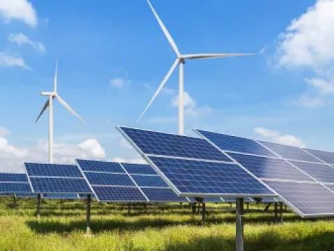 """Sonne, Wind & Co.: """"Unstetige Regulierung treibt die Kosten"""""""