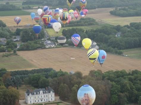 Ballone über dem Tielkreuz von Aufgabe 21