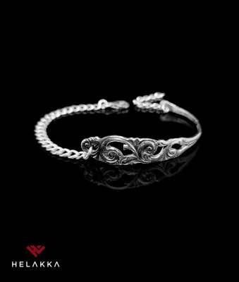 Helakka rannekoru hopealusikasta Ornamentti