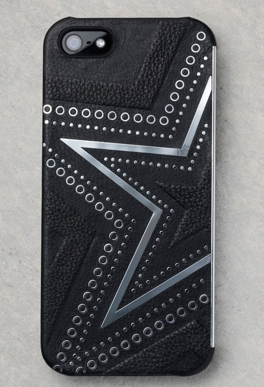 coque_d_iphone_en_cuir_et_m__tal_kate_moss_x_carphone__30_euros__480484655_north_545x.1