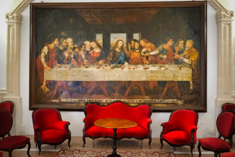 Extra Seats at the Last Supper in convent Sant Agusti ©HelenBushe