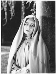 diana karenne 1927.jpg