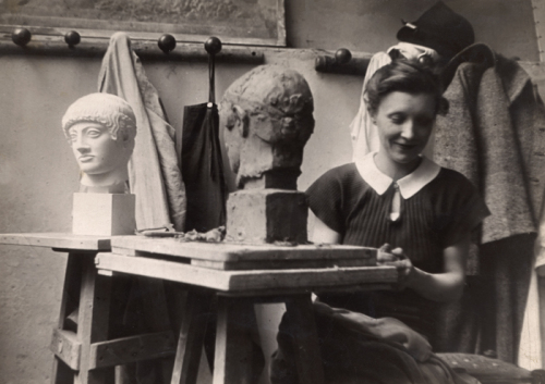 Louise-Bourgeois-Students