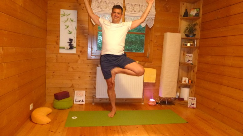 """Yoga """"Der Baum"""""""