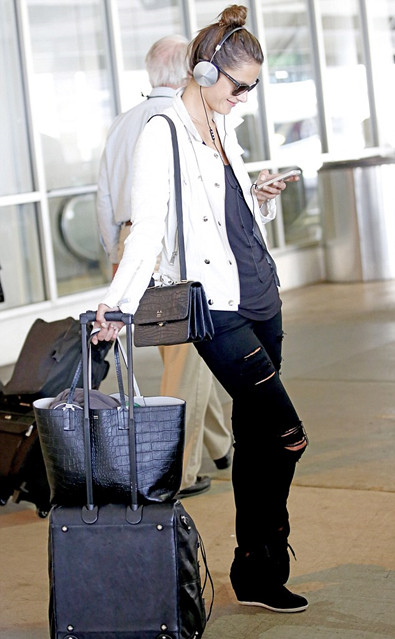 Model Off Duty Looks;  celebrities airport style 2014; vacation outfits