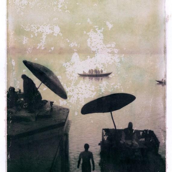 #1 ALSO IN INDIA © OSKAR LANDI .color. polaroid. man walking down into River Ghanges