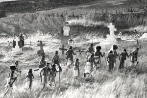 KWIRA (Tarahumara) #149, Mexico ©Oskar Landi. Black and white - indigenous groups walking through a cemetery