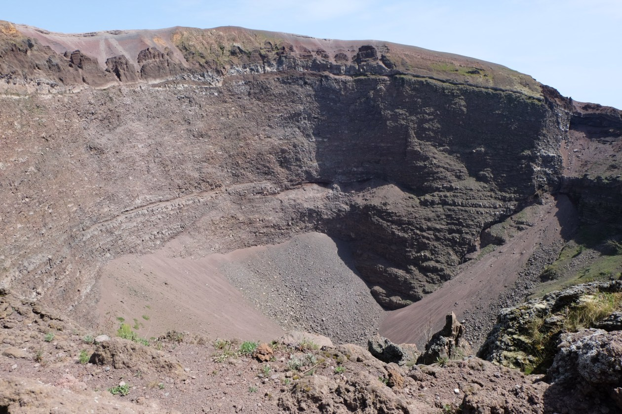 The crater at the top of Vesuvius