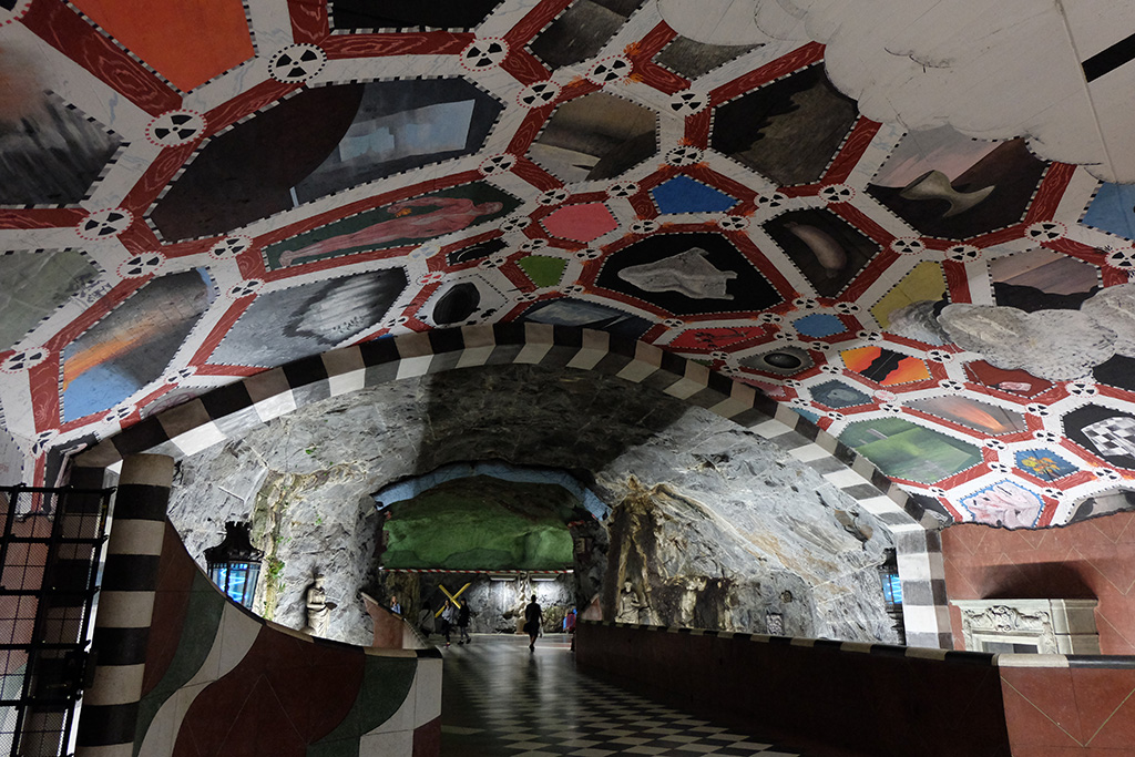 Freaky ceiling at Kungsträdgården
