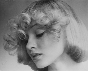'70s Hair Flicks Flicking by Raphael – 1971