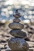 Bygg selvfølelse, stein oppå stein som små steg, ett om gangen.