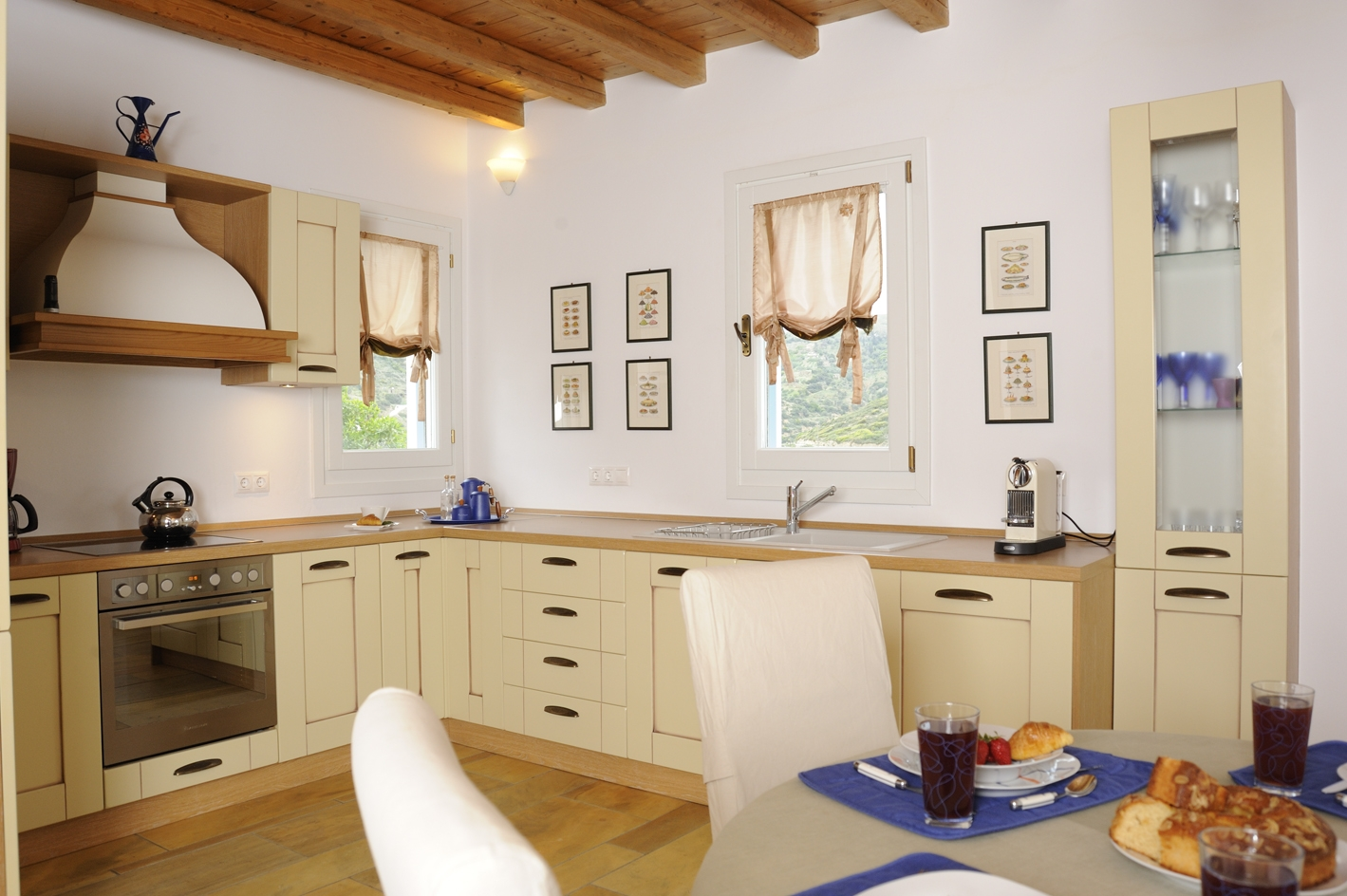 Fully equipped kitchen in first floor