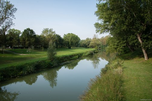 Crossing Viale Dante Alighieri, the Santerno River divides the northern half of Imola from its southern half, where the racing circuit dominates the landscape.