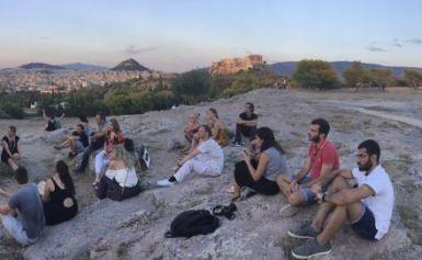 Το ΚΟΣΜΟΠΟΛΙΣ στην Πνύκα, στο Λόφο Νυμφών, για το «Ματωμένο Φεγγάρι» και μια μοναδική συζήτηση για τον «Προμηθέα Δεσμώτη» και τα κρυφά νοήματά του (27/7/2018)!