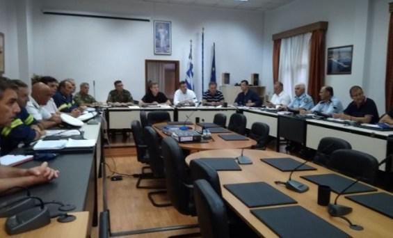 Την οδύνη του για τα θύματα της θεομηνίας στη Χαλκιδική εξέφρασε ο υπουργός Προστασίας του Πολίτη Μιχάλης Χρυσοχοΐδης μετά τη σύσκεψη που πραγματοποιήθηκε νωρίς σήμερα το πρωί στο δημαρχείο Νέας Προποντίδας στα Νέα Μουδανιά