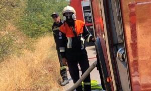 Πυροσβεστικό Σώμα Εθελοντών Ν. Βουτζά στην φωτιά σήμερα στο Ελικοδρόμιο του Μαραθώνα