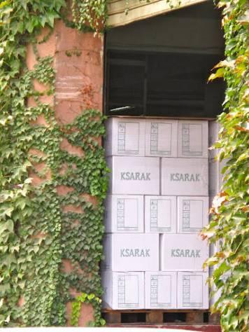 Ksarak er arak (anisbrennevin) som lages på restene av druestilker etc.