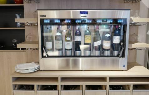 Vinautomaten garanterer frisk vin selv på glass.