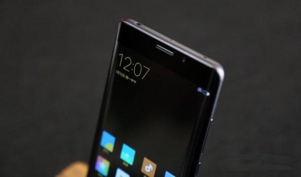 Xiaomi-Mi-Note-2-phone-5
