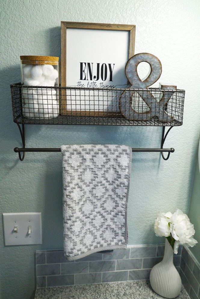 Guest Bathroom Makeover - Decor