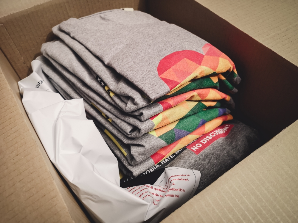 How to declutter after college - what to do with old college tshirts