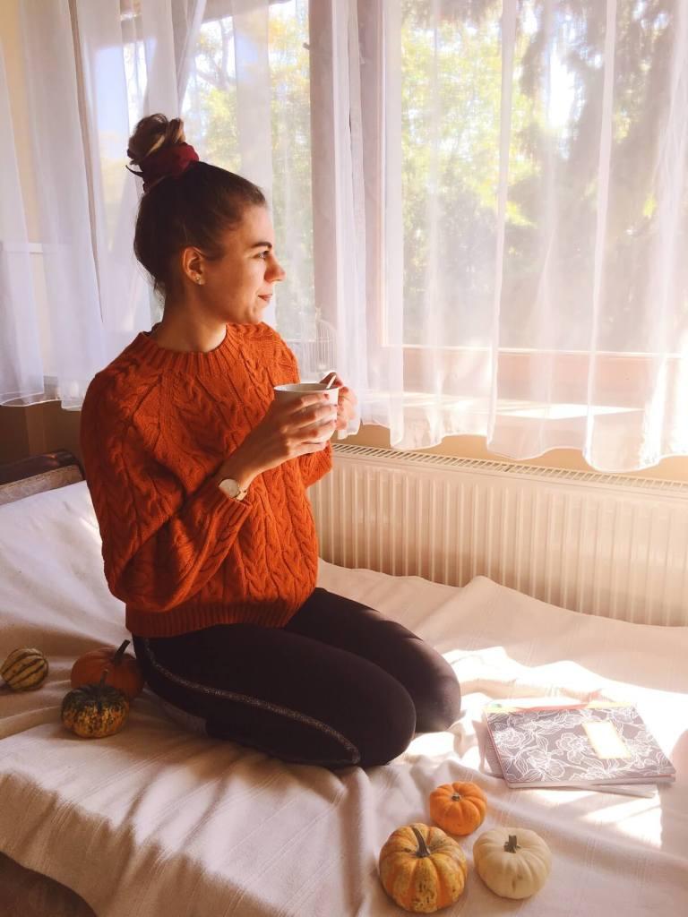 hellolife-blog-tanulos-tippek-narancs-pulcsi-osz