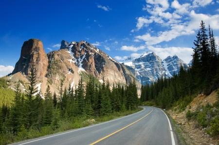 Straße durch den Banff National Park