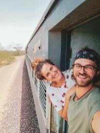 Pärchen im Zug in Rajasthan