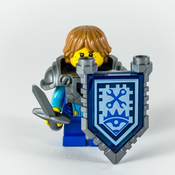 Review LEGO Nexo Knights 70333 Ultimate Robin 09