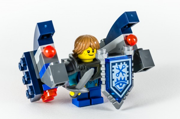 Review LEGO Nexo Knights 70333 Ultimate Robin 12