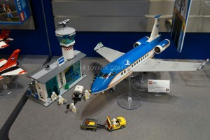 LEGO City 60104 Airport 2