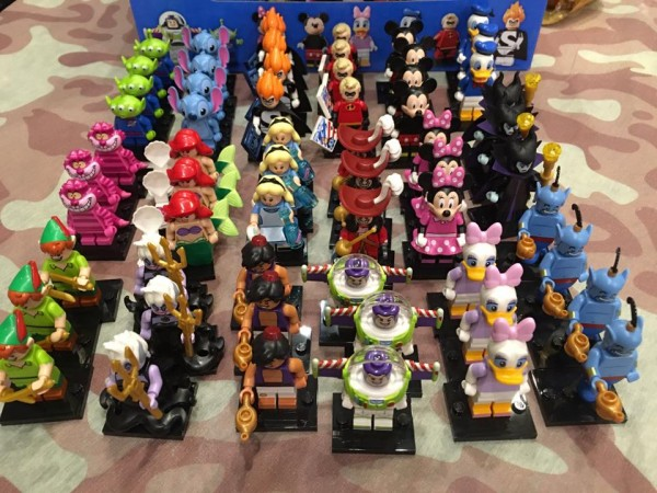 Disney Collectible Minifigures distribution boite LEGO 6138967