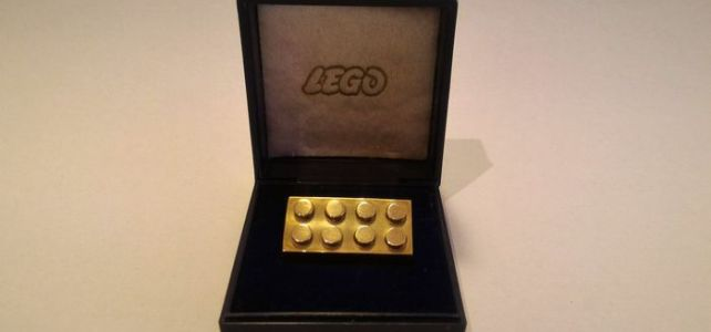 brique LEGO en or 14 carats