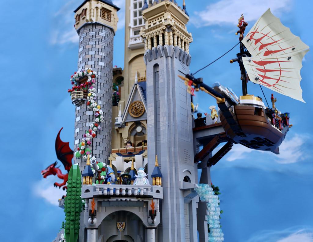 Un Chateau Dans Les Nuages un (gigantesque) château dans les nuages - hellobricks