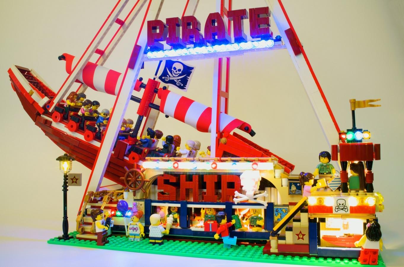 f te foraine et bateau pirate hellobricks blog lego. Black Bedroom Furniture Sets. Home Design Ideas