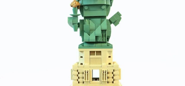 LEGO BrickHeadz statue of Liberty