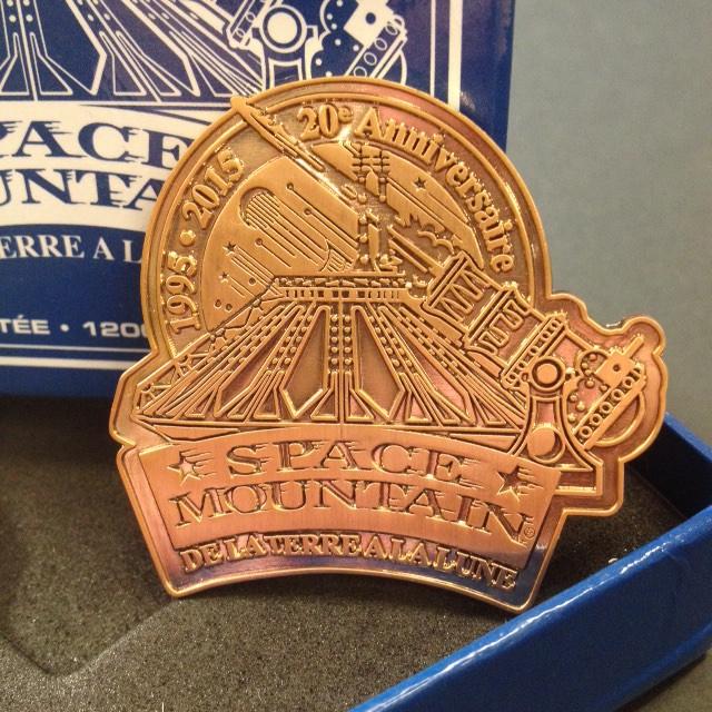 Coffret collector médaille limitée à 850 exemplaires vendu à 19,99€
