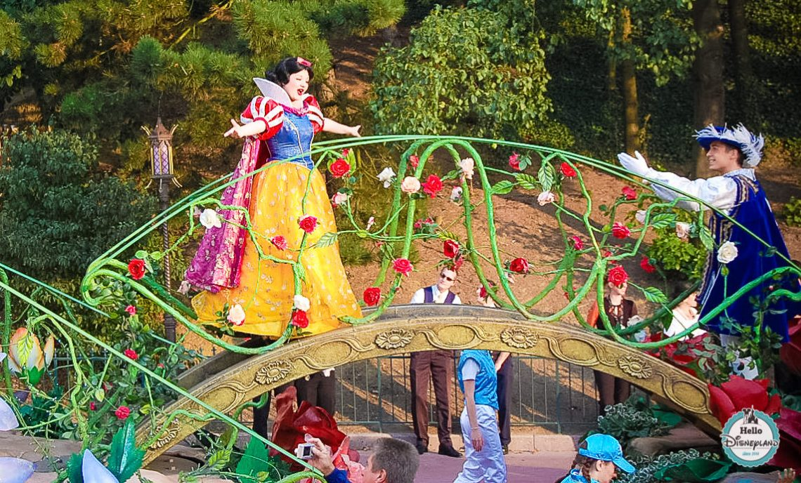 Disney Once Upon a Dream Parade - Disneyland Paris -33