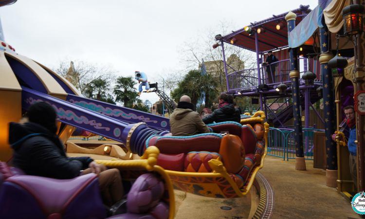 Flying carpets over Agrabah - Disneyland Paris
