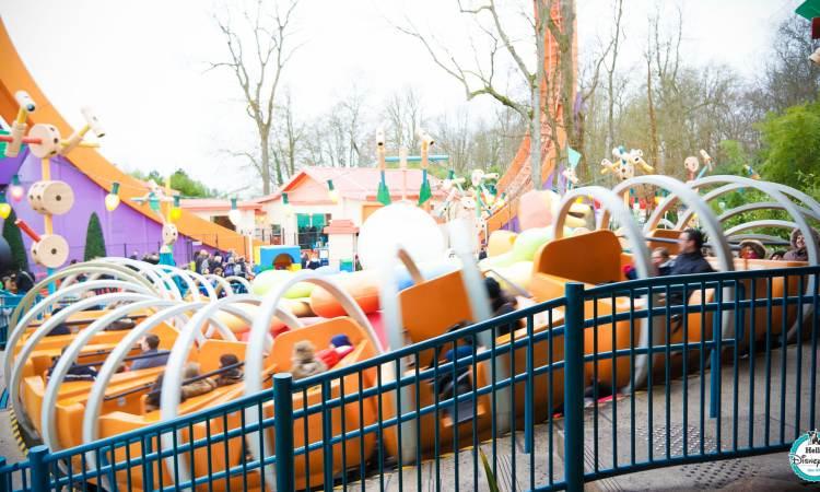 Slinky Dog Zigzag Spin - Disneyland Paris