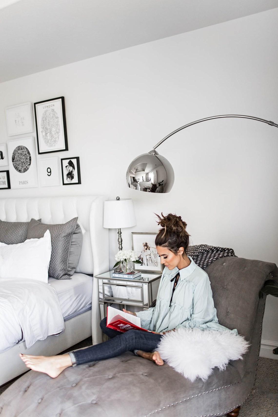 Bedroom Gallery Wall | Hello Fashion