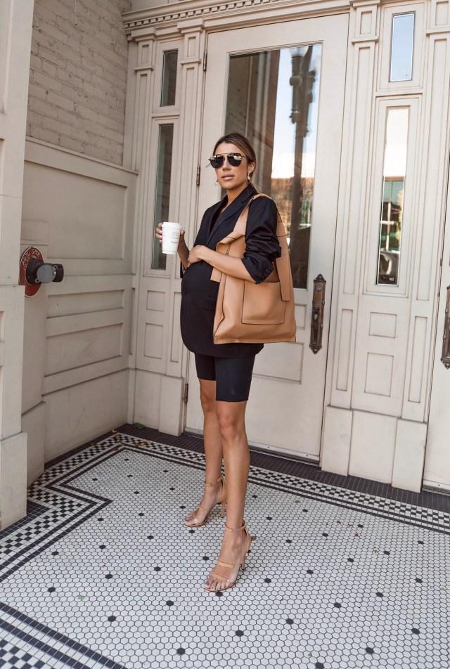 dressy pregnancy style with blazer